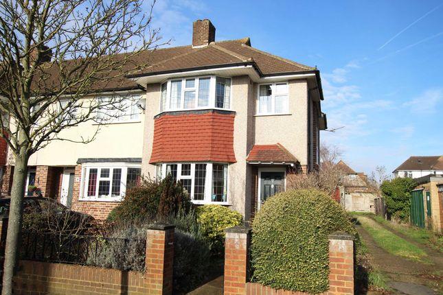 Thumbnail Property for sale in Devon Avenue, Twickenham