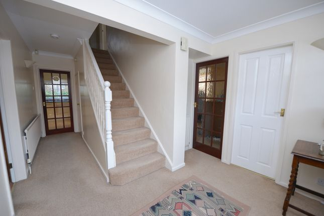 Hallway of Deerlands Road, Chesterfield S40
