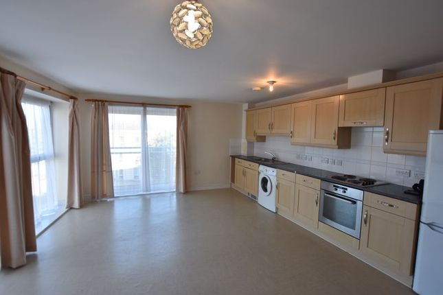 1 bed flat to rent in Station Approach, Epsom KT19