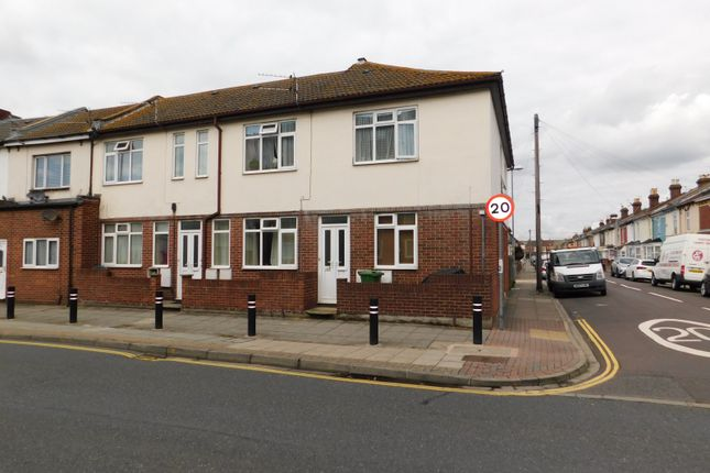 Thumbnail Flat to rent in New Road, North End, Portsmouth