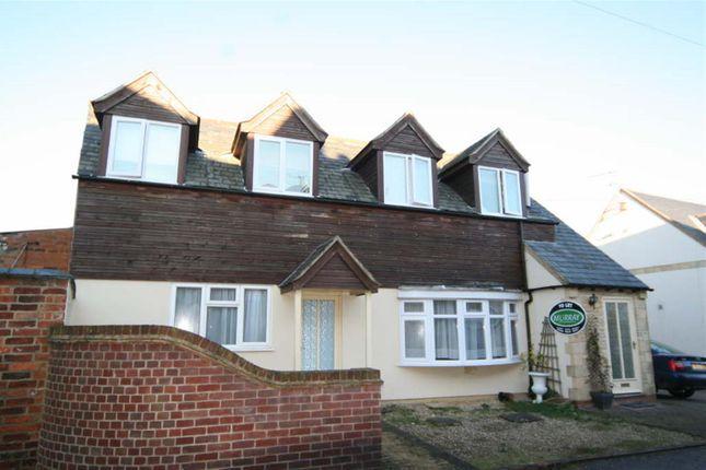 Thumbnail Flat to rent in Oakham Road, Whissendine, Oakham