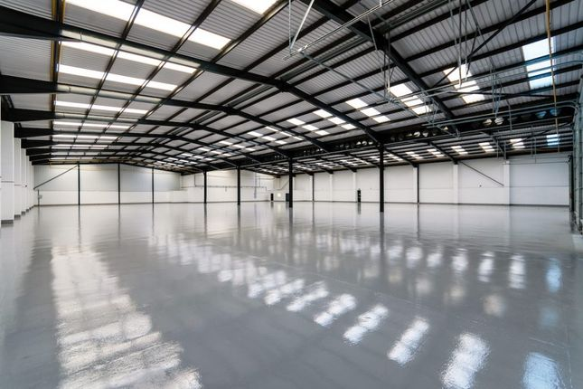 Thumbnail Industrial to let in Unit 16, Woodside Industrial Estate, Humphrys Road, Dunstable