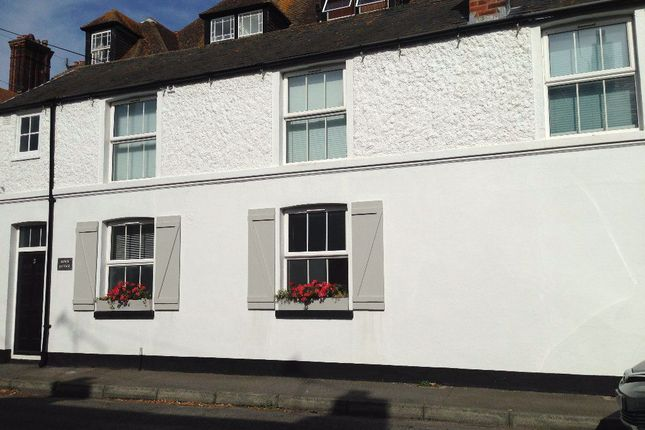 Thumbnail Property to rent in Liverpool Road, Walmer, Deal