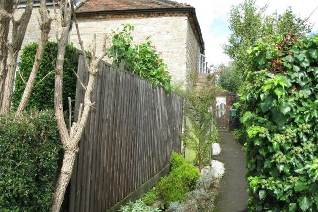 Thumbnail Cottage to rent in West Stour, Gillingham