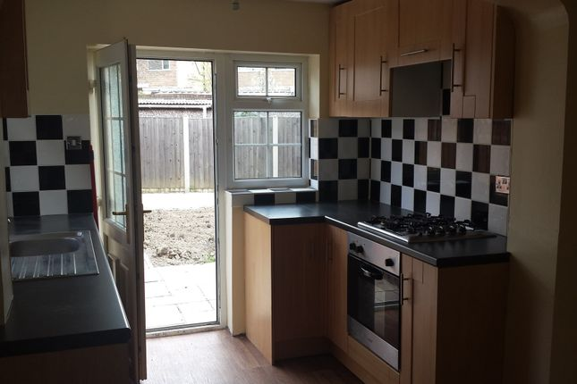Kitchen - Clayton Drive - 3 Bed Semi For Rent In Thurnscoe