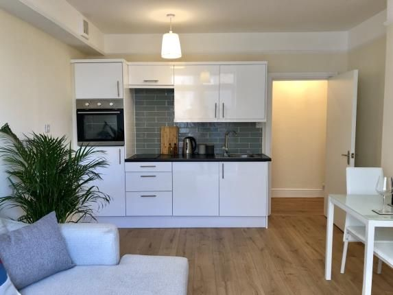 Thumbnail Flat for sale in Taunton, Somerset, United Kingdom