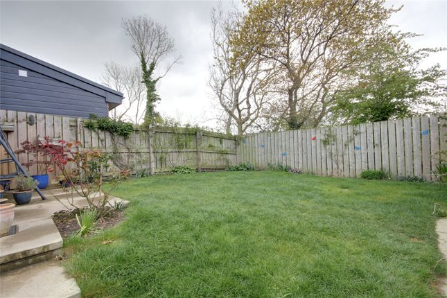 3 bed semi-detached house to rent in Kings Close, Middlesbrough TS6