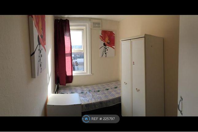 Thumbnail Room to rent in Grosvenor Road, Skegness