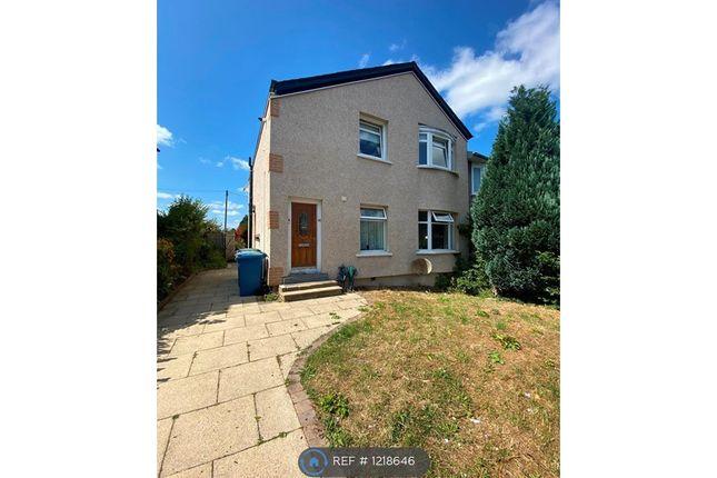 3 bed flat to rent in Croftburn Drive, Glasgow G44