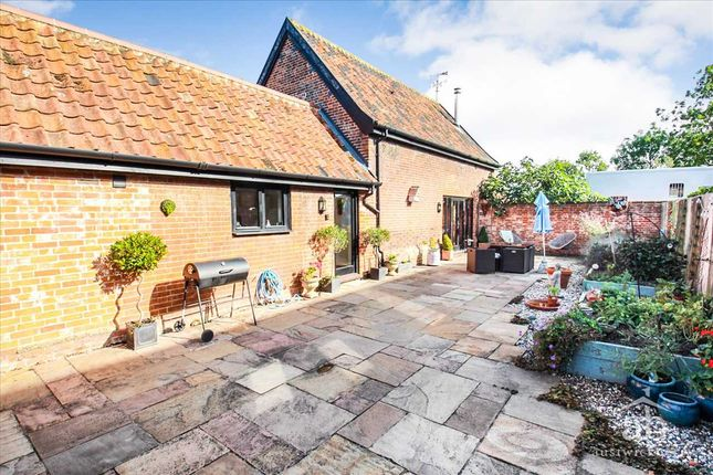 2 bed property for sale in Granary Barn, Friday Street, Monewden, Woodbridge IP13