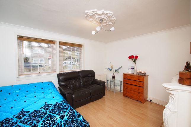 Thumbnail Room to rent in Billson Street, London