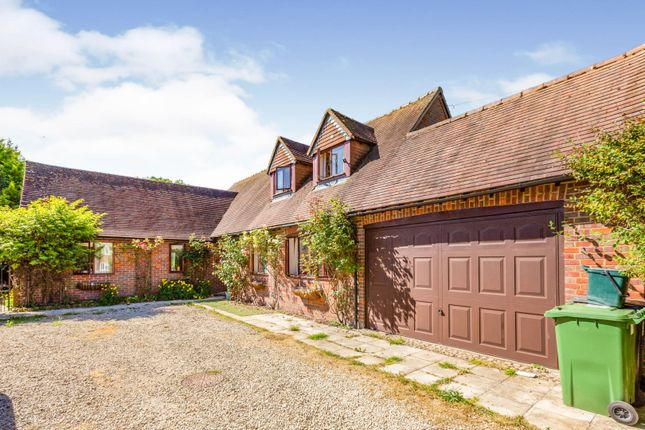 3 bed detached house for sale in High Street, Lewknor, Watlington OX49