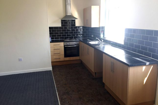2 bed flat to rent in killinghall road bradford bd3 zoopla kitchen of killinghall road bradford bd3 solutioingenieria Gallery