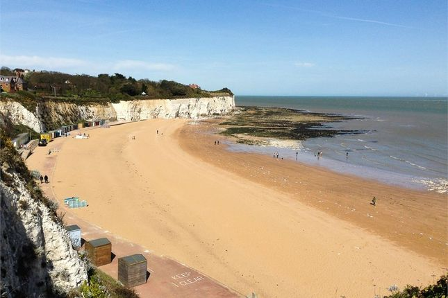Thumbnail Flat to rent in Cheviot Court, Broadstairs