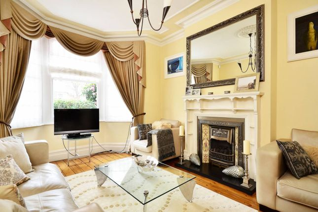 Thumbnail Property for sale in Kingscote Road, Bedford Park