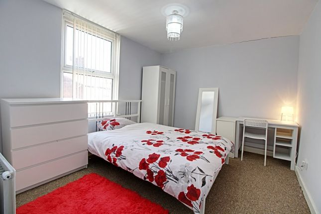 Thumbnail Flat to rent in Oakhill Park, Old Swan, Liverpool