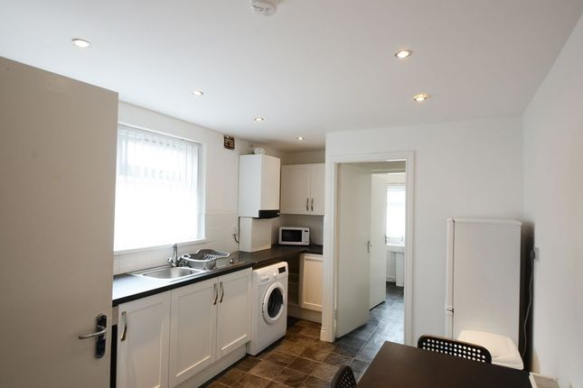 2 bed flat to rent in Borough Road, Middlesbrough TS1