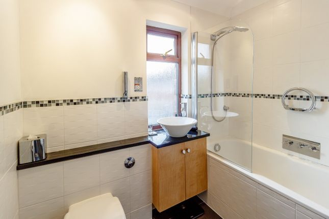 Bathroom of Murray Road, Richmond TW10