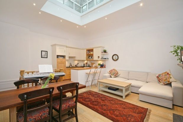 1 bed flat to rent in Linden Gardens, Notting Hill