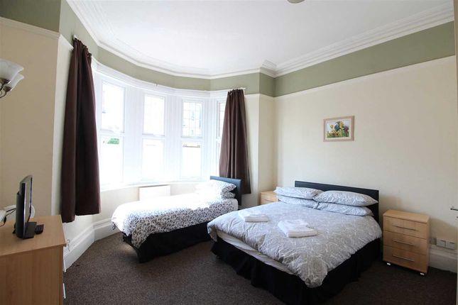 Lounge/Bedroom of Palmerston Road, Westcliff-On-Sea SS0