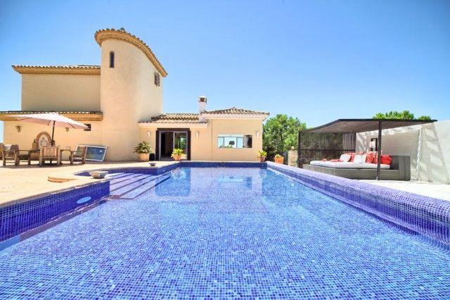 4 bed villa for sale in Spain, Málaga, Estepona, Estepona Alta