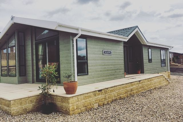 Thumbnail Mobile/park home to rent in Swallow Lakes, Little London