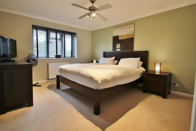 Bed 1 of Farmiloe Close, Purley On Thames, Reading RG8