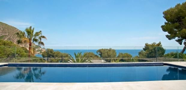 Thumbnail Property for sale in Eze Sur Mer, French Riviera, 06360
