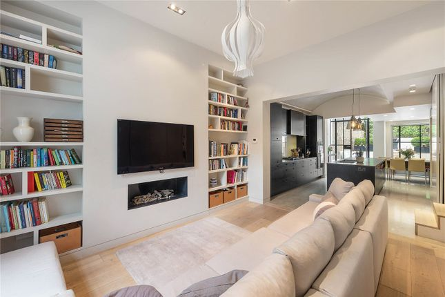 Thumbnail Terraced house for sale in Chepstow Crescent, London