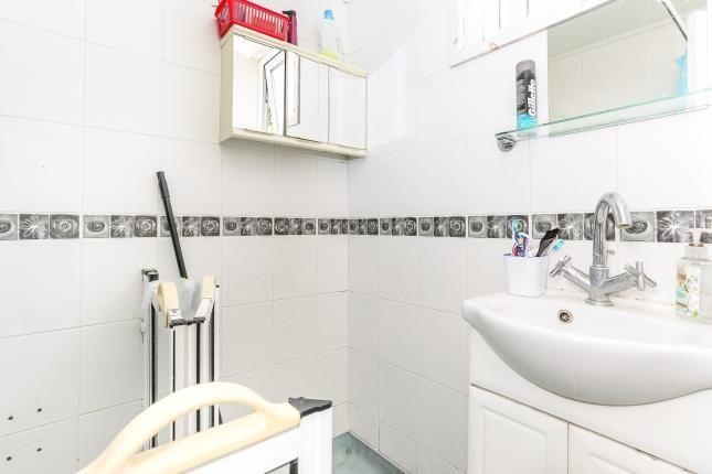 Bathroom of Brathay Close, Coventry, West Midlands CV3