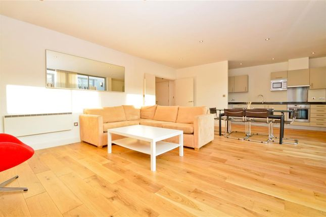 Thumbnail Flat to rent in Dereham Place, London