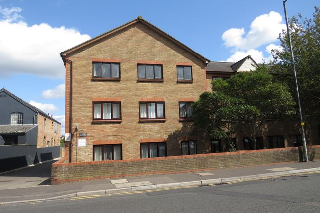 Thumbnail Flat for sale in Seabourne Road, Southbourne, Bournemouth