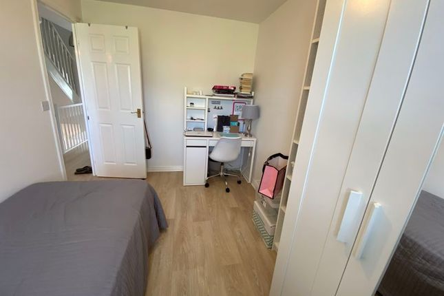 Photo 14 of Barlow Gardens, Plymouth PL2