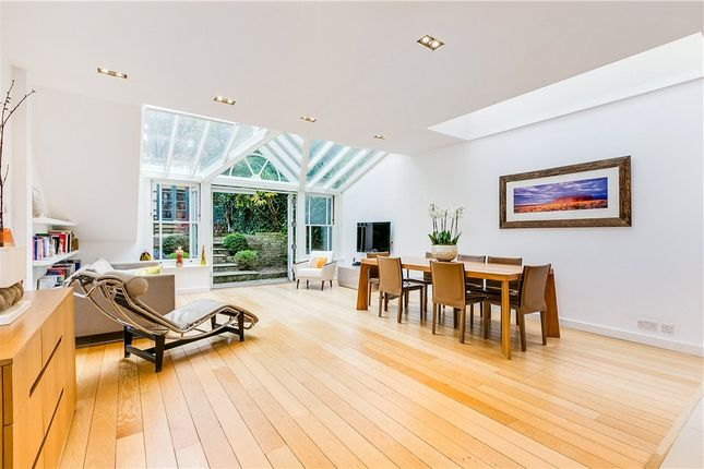 Thumbnail Terraced house for sale in Earls Court Gardens, London