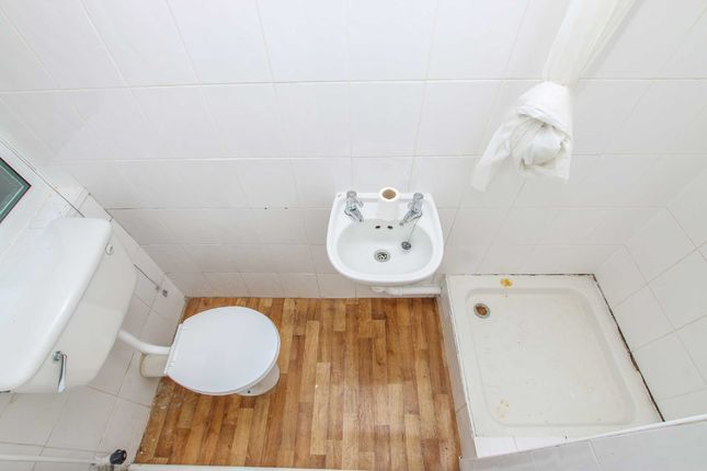 Shower Room of Waterloo Street, Market Rasen, Lincolnshire LN8