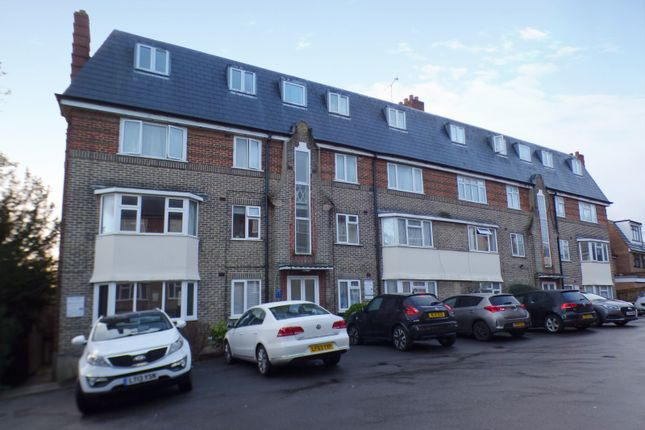 Flat for sale in Oakleigh Court, East Barnet