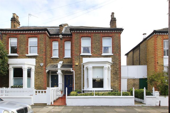 Picture No. 12 of Henning Street, Battersea, London SW11