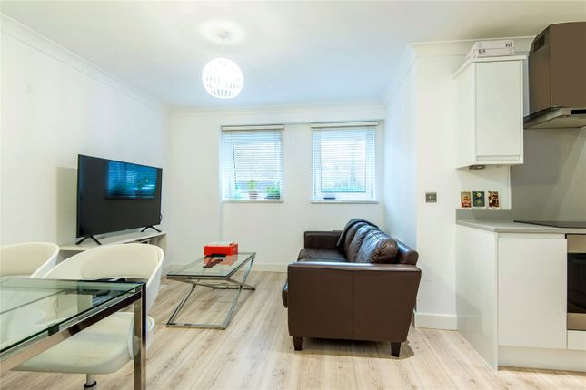 Thumbnail Flat for sale in Ship Apartments, 90 Hardinge Street