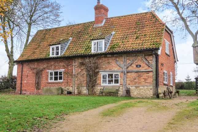 Thumbnail Detached house for sale in Graby, Sleaford