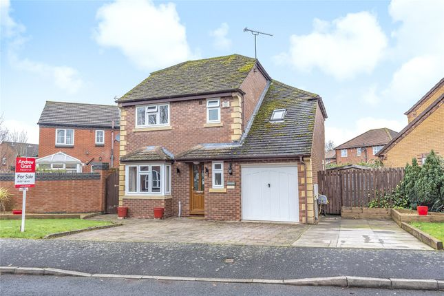 Thumbnail Detached house for sale in Abbeyfields Drive, Studley