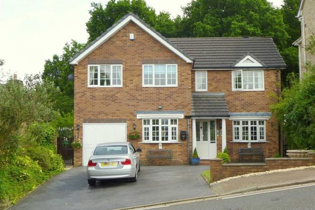 Thumbnail Detached house for sale in Simmondley New Road, Glossop, Derbyshire