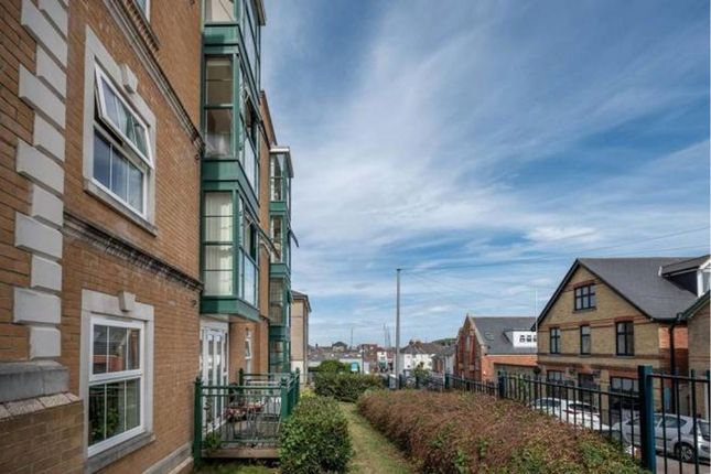 Thumbnail Flat for sale in Medina Gardens, Cowes