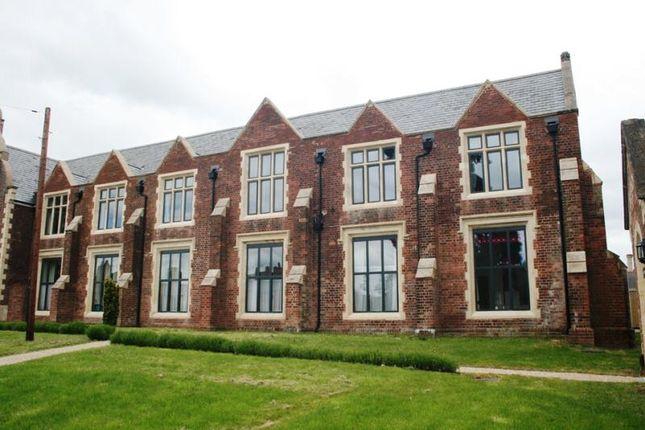 Thumbnail Flat to rent in Mount Dinham Court, Exeter