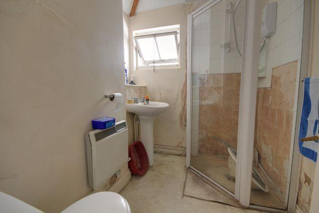 Shower Room of Beehive Cottages, St. John's Street, Reading RG1