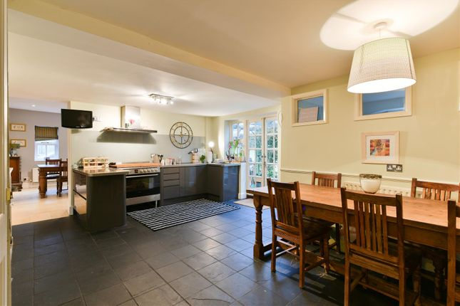 6 bed property for sale in High Street, Godstone