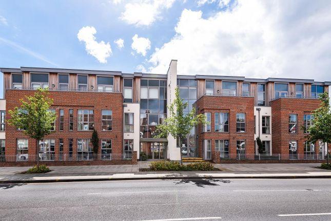 Thumbnail Flat for sale in Kingston Road, Wimbledon