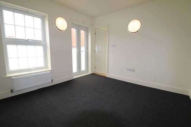 Double Bedroom of Gray Street, Northampton NN1