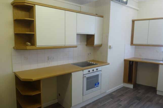 2 bed flat to rent in 1 Wood Road, Mile End