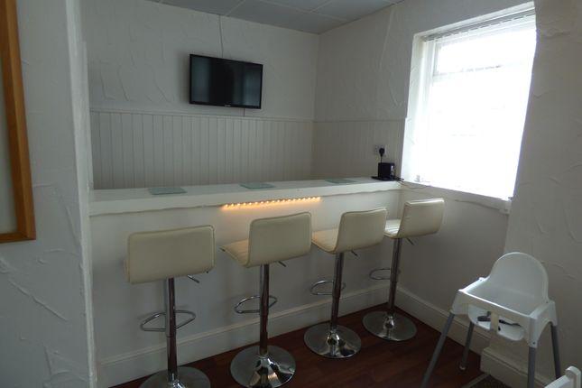 Breakfast Bar of Crystal Road, Blackpool FY1