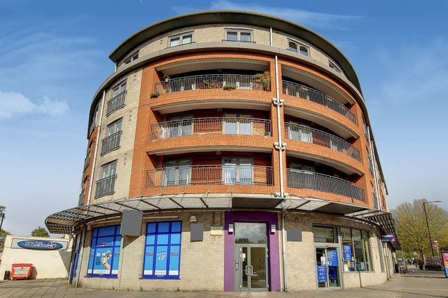 Thumbnail Flat to rent in Streatham Place, Clapham Park